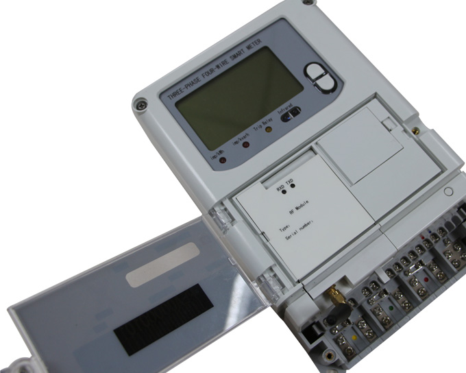 What's the difference between a single-phase or three-phase meter?